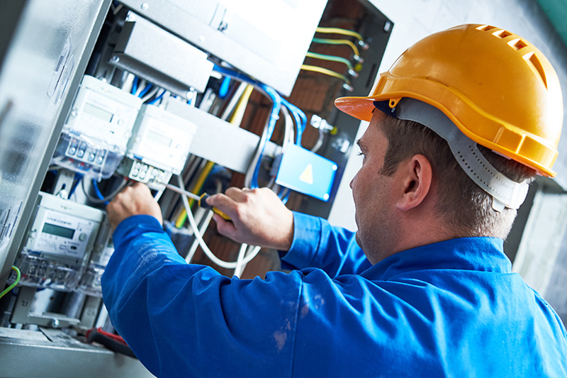 Become An Electrician in Huddersfield West Yorkshire