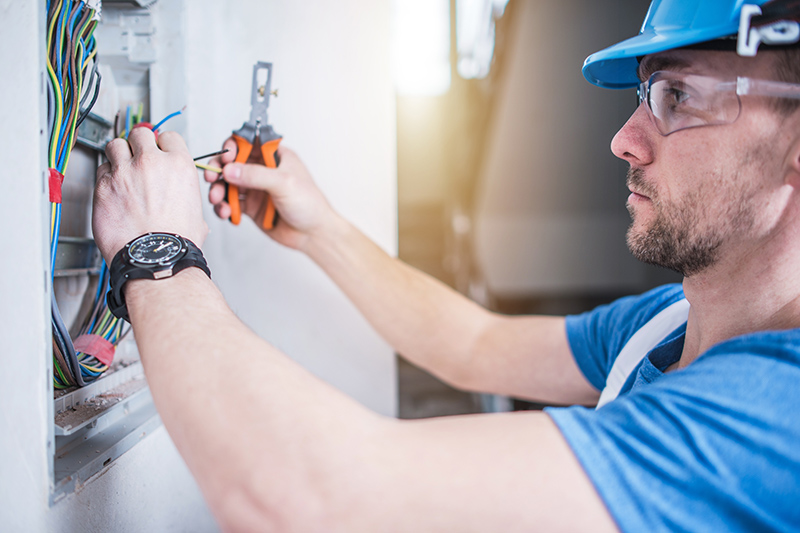 Electrician Qualifications in Huddersfield West Yorkshire