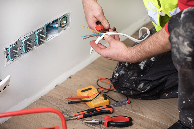 Emergency Electrician in Huddersfield West Yorkshire