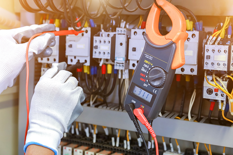 How To Become An Electrician in Huddersfield West Yorkshire